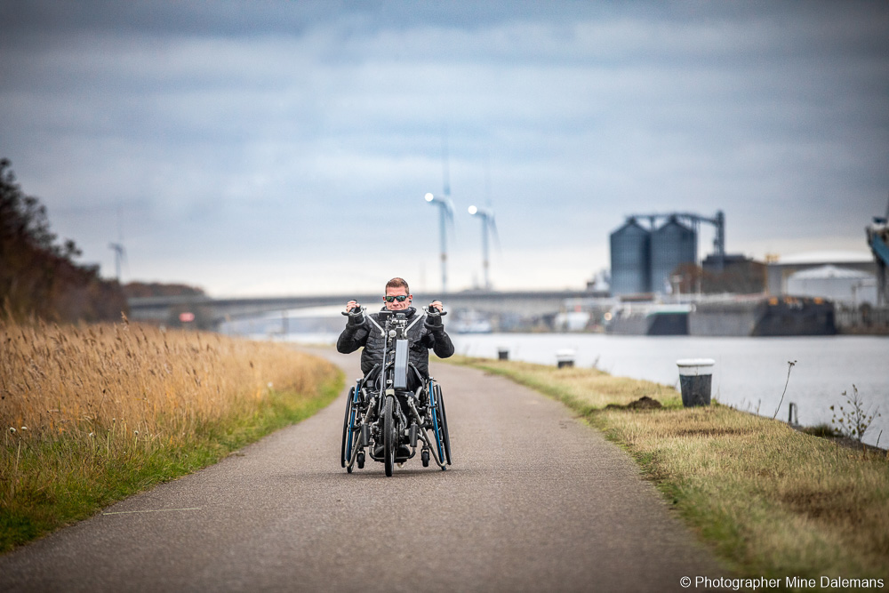 Sven very much enjoys attaching his neodrives every day to cover a few kilometres with his handbike.